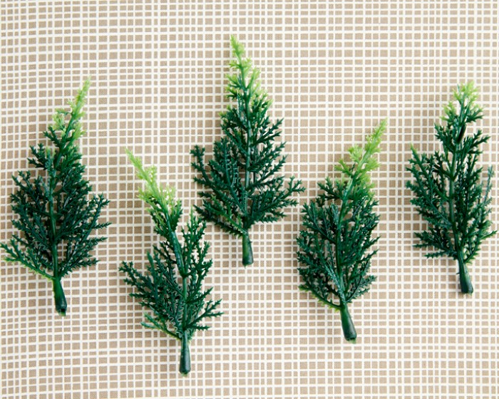 "4"" Plastic Pine Tree Woodland Outdoor Cupcake Cake Novelties Toppers"
