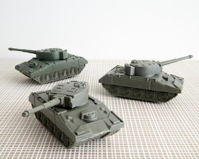 mini plastic army tank cupcake novelties toppers