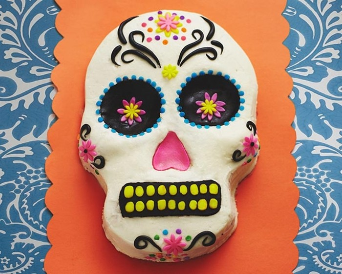 How To Make A Day Of The Dead Skull Cake Cakegirls