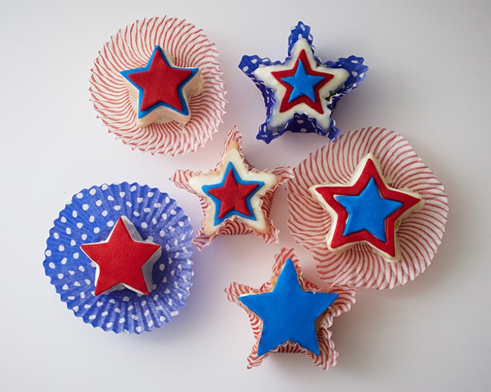 mini 4 of July red white blue star pound cakes how to
