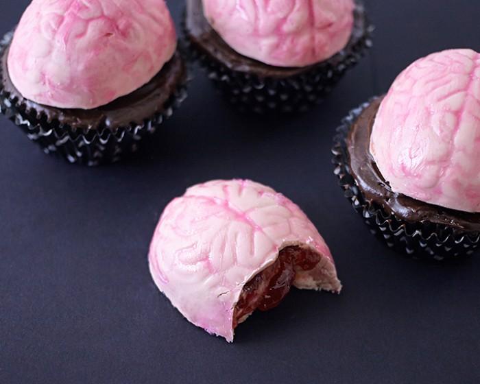 How To Make Oozing Brain Cupcakes | Cakegirls Step x Step