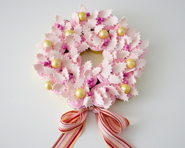 How to Make an Elegant Pink Cupcake Wreath