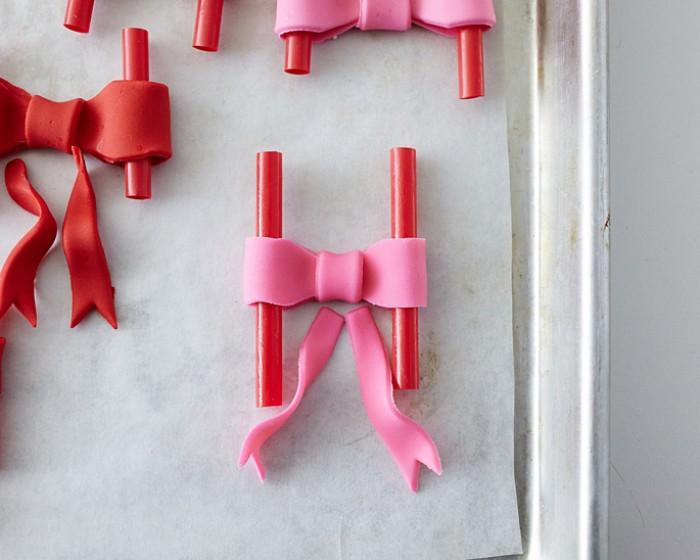 How To Make Mini Fondant Bows
