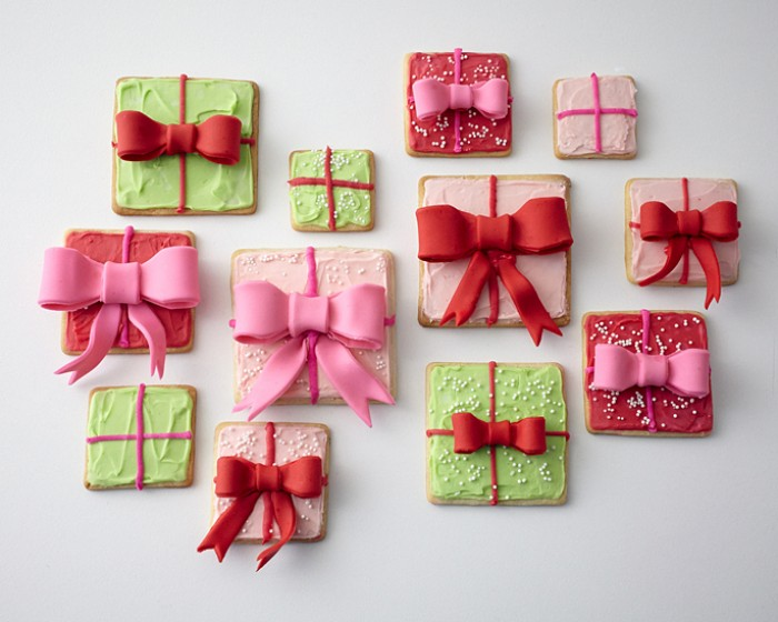 How to make an Edible Fondant Sugar Bow, Gift Box Cookie Tutorial