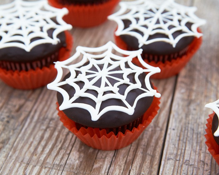easy store bought Halloween piped spider web