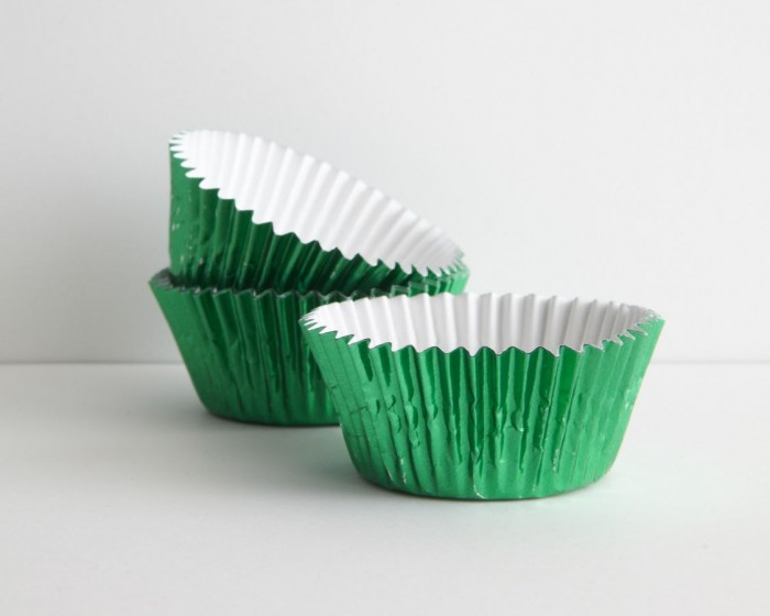 Green Foil Baking Cups - Set of 30