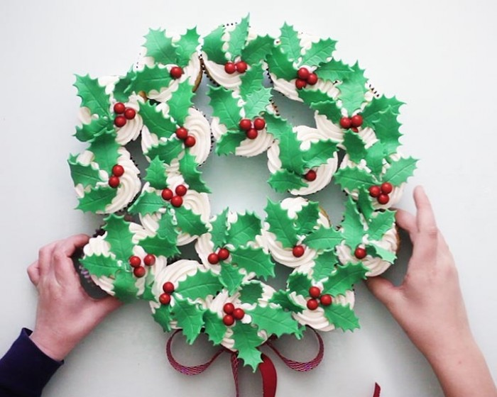 How To Make A Red and Green Cupcake Wreath Video