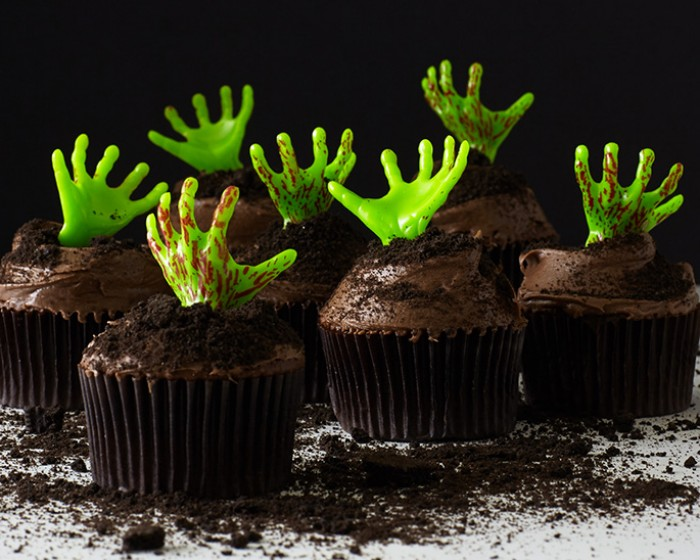 Easy Zombie Cupcakes with Zombie Halloween Picks