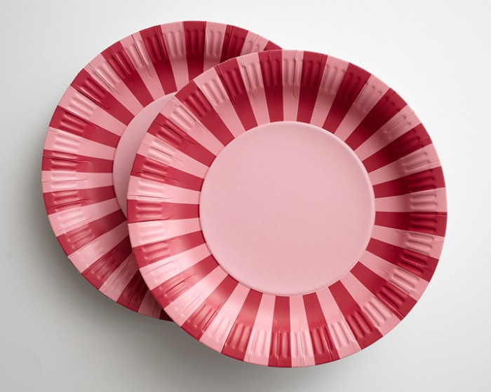 Hot Pink Light Pink Striped Paper Plates |