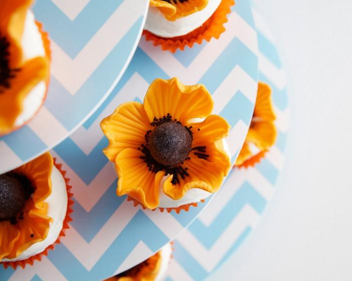 Orange poppy flower cupcakes cakegirls fondant orange poppy flower cupcakes how to mightylinksfo
