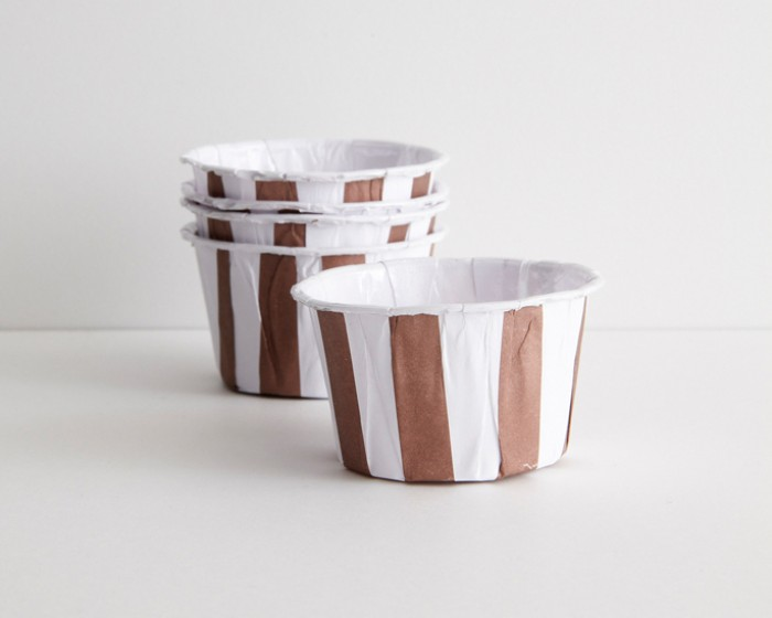 brown stripe paper nut cups