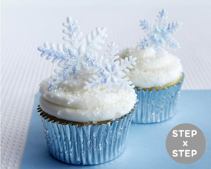 how-to make fondant snowflake cupcakes
