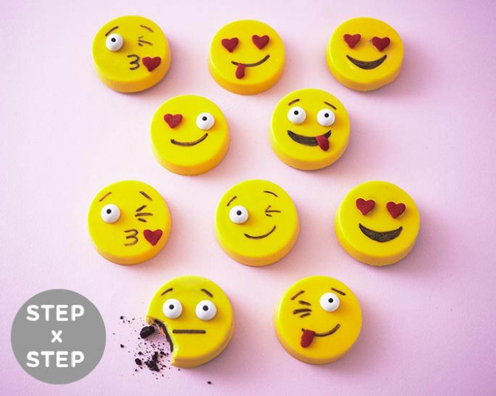 How To Make Easy Emoji Oreos | Cakegirls Step x Step Tutorials with Shoppable Supplies