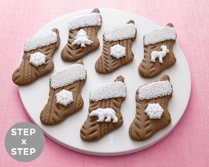 How To Make Knitted Gingerbread Stocking Cookies