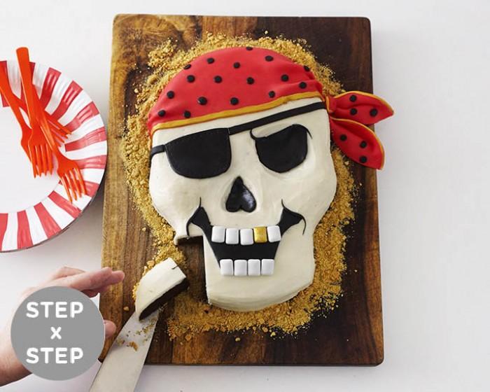 How To Make A Step x Step Pirate Cake | Cakegirls