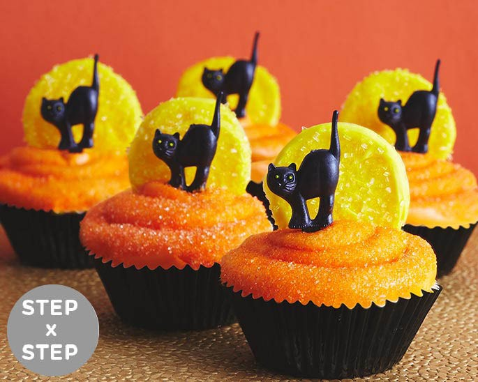 Diy cat and moon halloween cupcakes cakegirls for How to make halloween cupcakes from scratch