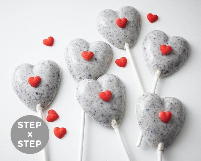 Step X Oreo White Chocolate Heart Ers