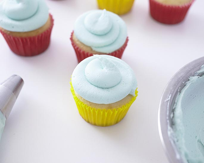 Piped swirl cupcakes