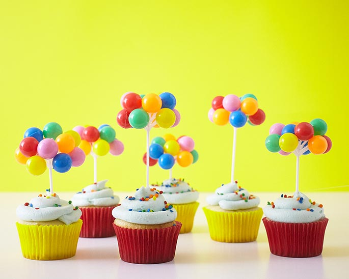 Easy Circus Balloon Cupcakes