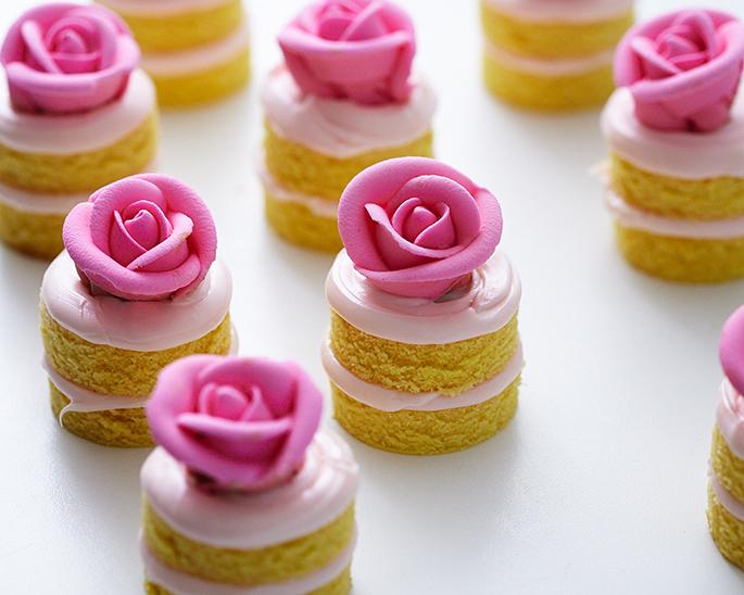 Magnificent How To Make Mini Birthday Cakes Cakegirls Personalised Birthday Cards Vishlily Jamesorg