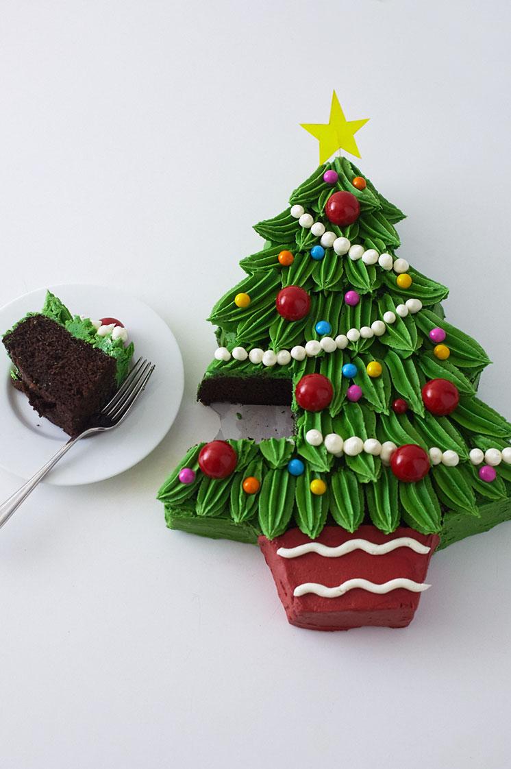 Piped Buttercream Christmas Tree Cake Tutorial | Cakegirls