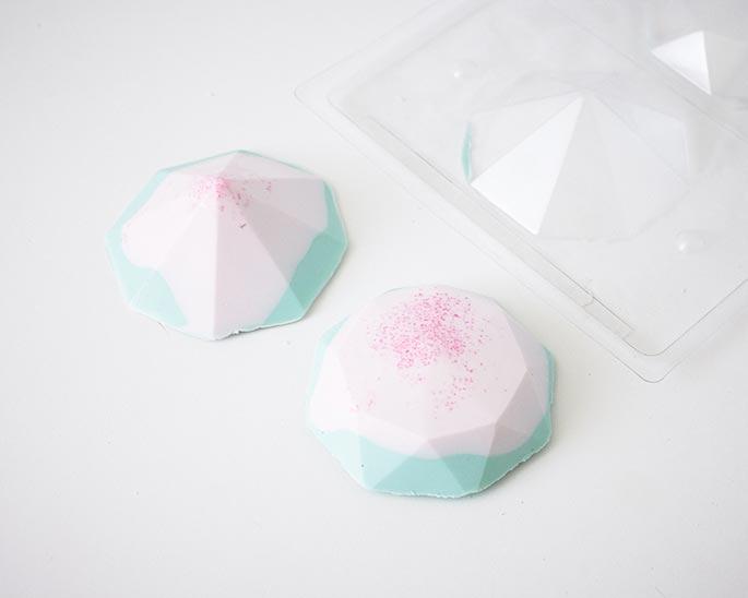 How to make mini gem cakes using a chocolate mold | Cakegirls Step x Step Tutorials