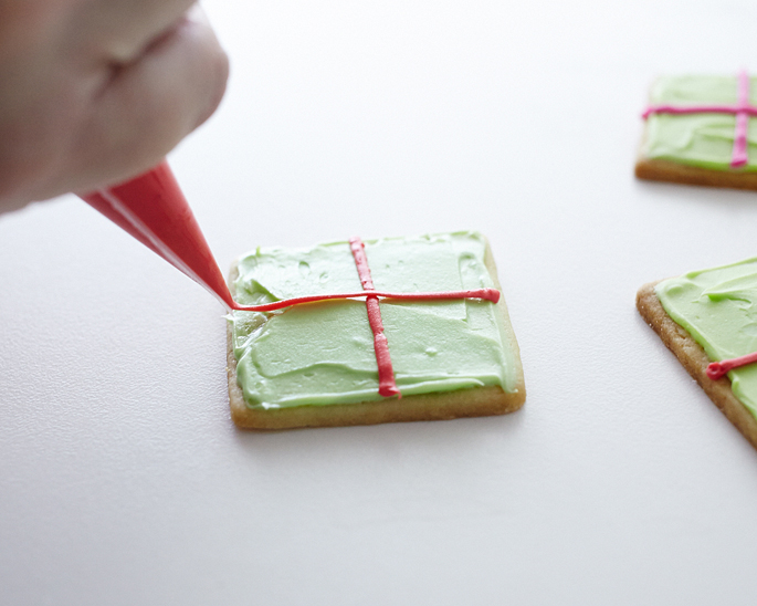 how to make gift box cookies