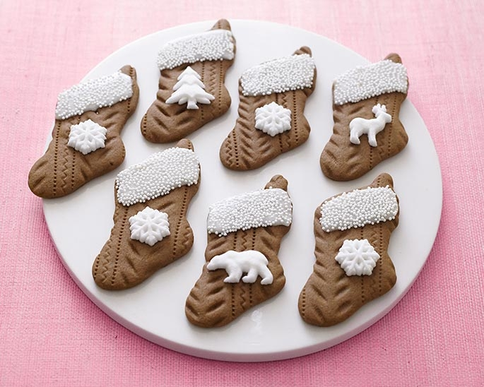 See our step by step tutorial to make these easy knitted gingerbread stocking cookies!