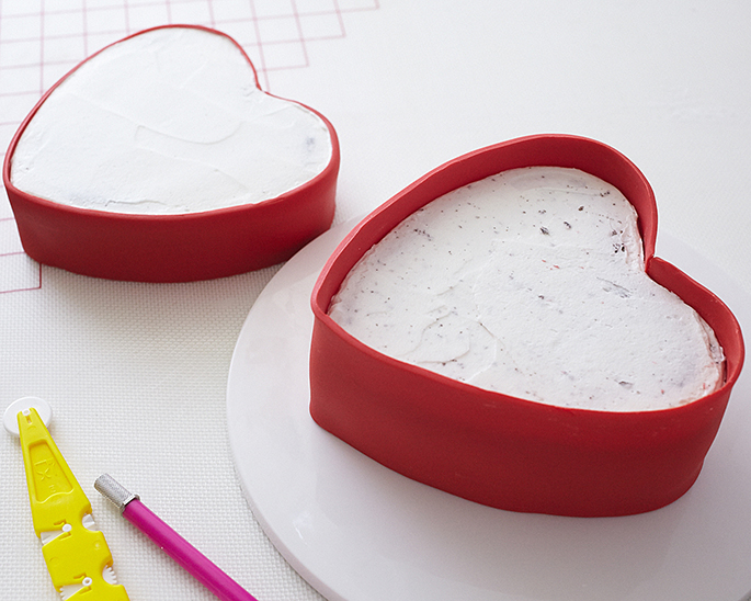 How to cover a heart box cake in fondant
