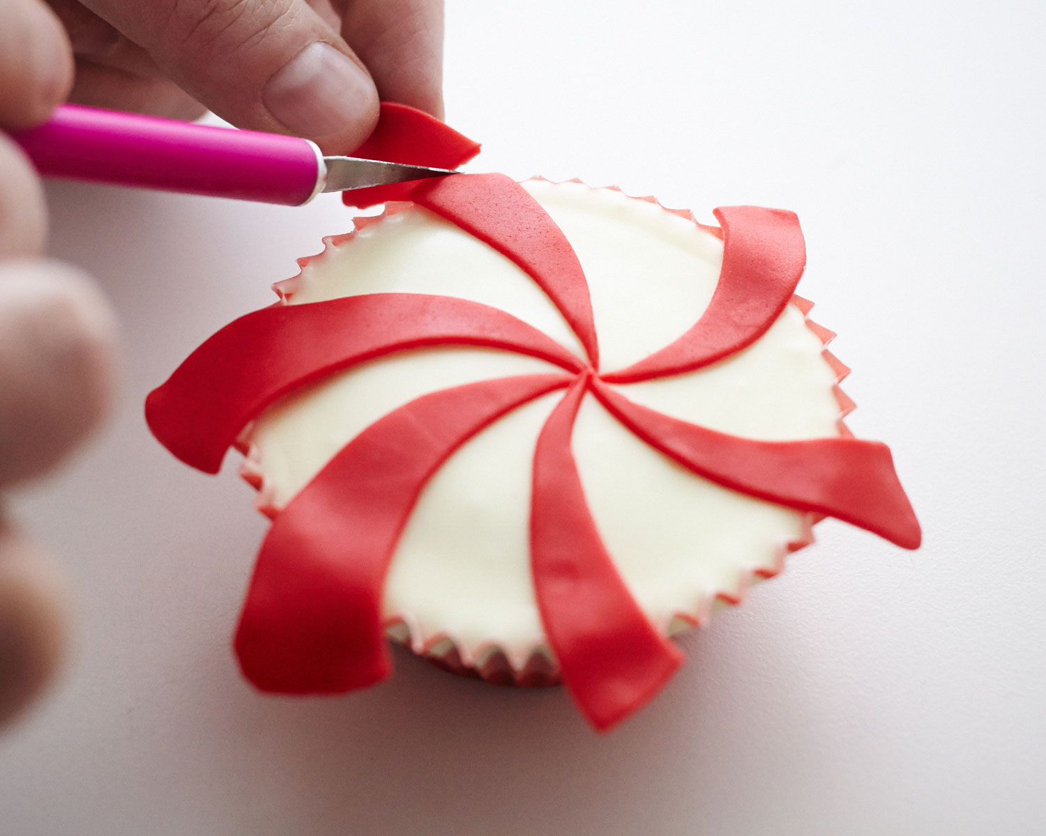 Wrapped Peppermint Candy Christmas Cupcake How-To