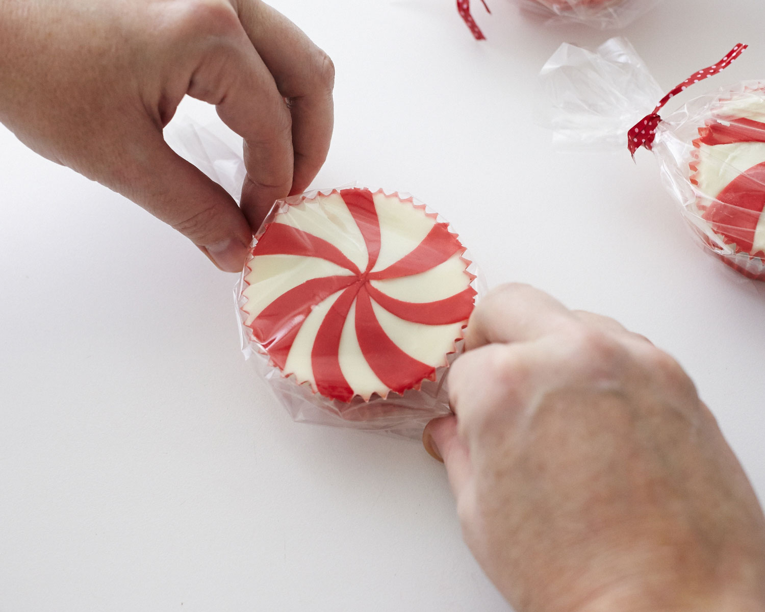 Peppermint Candy Christmas Cupcake How-To