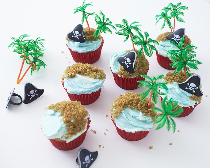 Pirate Hat Novelty Ring Cupcakes