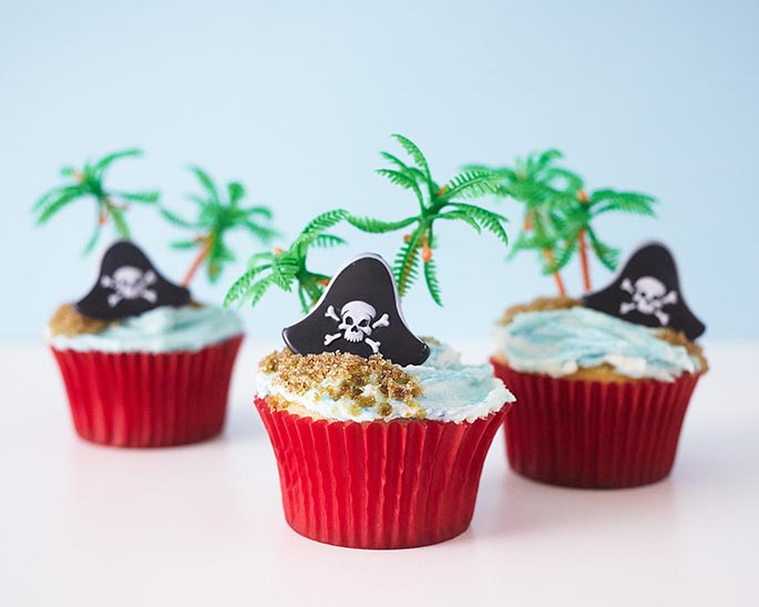 Easy Pirate Themed Cupcakes