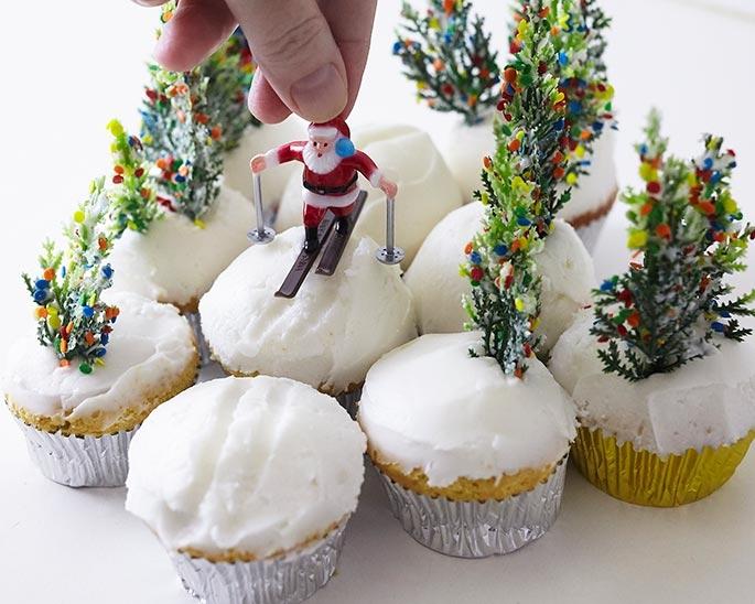 place santa on the ski scene cupcakes