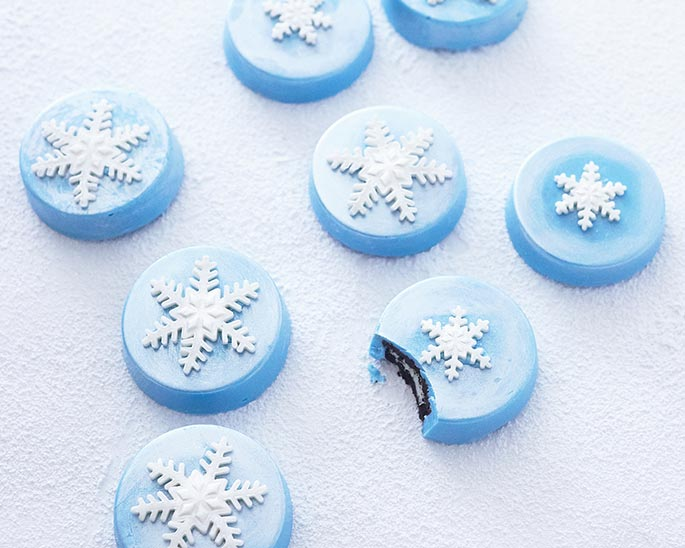 Chocolate Covered Oreos with Snowflakes