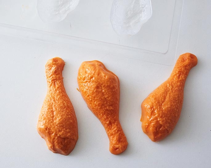 Using a fried chicken chocolate mold